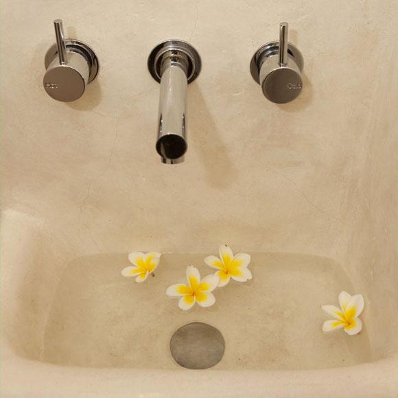 bathroom-3-web.jpg